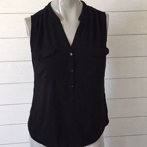 Old Navy buttoned sleeveless blouse black size M